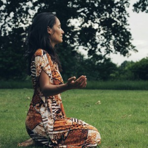 Loes Fokker meditating in the nature